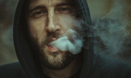 ¿Fumas y tienes tos por la mañana? Creo que deberias saber esto